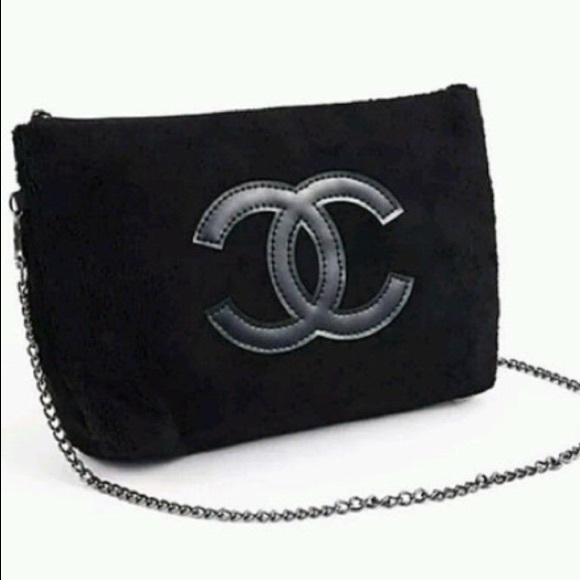 3143845a784f CHANEL Bags | Exclusive Vip Gift Crossbody Bag Wchain | Poshmark